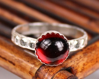 Garnet Ring, Patterned Band, Handmade Ring, 8mm Garnet Cabochon Ring, January Birthstone Ring, Statement Ring