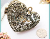 1 Large Filigree Heart Locket Antiqued brass 63mm PB28