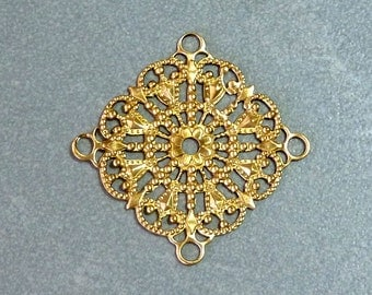 Vintage Round Brass Ornate Filigree Stampings / Links, 30mm  (1)