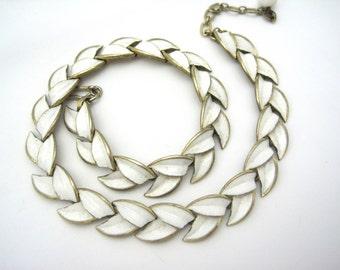 Vintage Trifari Necklace - White Enamel Leaves