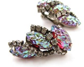 vintage lava rock earrings / red and green irridescent rhinestone / aurora borealis / clip on