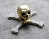 Skull and Crossbones  Gothic Halloween Mounted Faux Taxidermy Head  Skeleton Head Jolly Roger