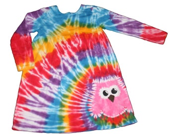 Tie Dye Dress in Rainbow Colors with a Hot Pink Owl