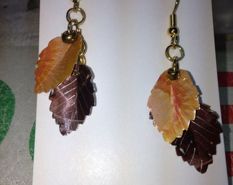 Autumn leaf earrings from cans