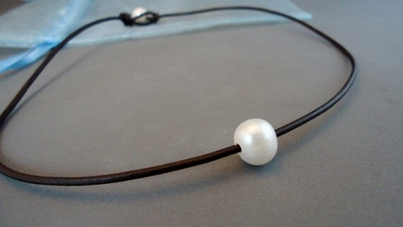 Special Price Single Pearl Leather Choker Necklace