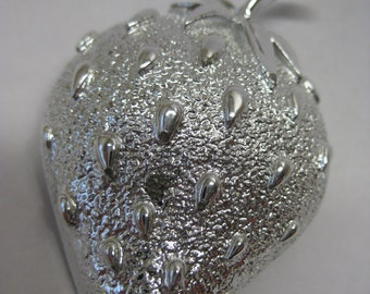 Strawberry Brooch Silver Vintage Pin Fruit Sarah Coventry