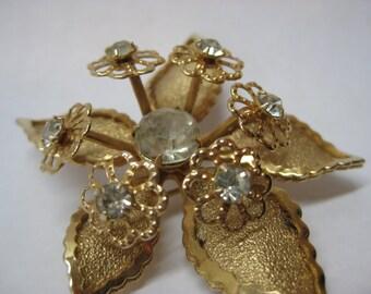 Flower Gold Brooch Rhinestone Clear Vintage Pin