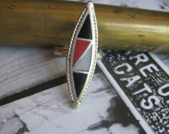 Vintage Zuni RED WHITE & BLACK .925 Sterling Silver Inlaid Ring