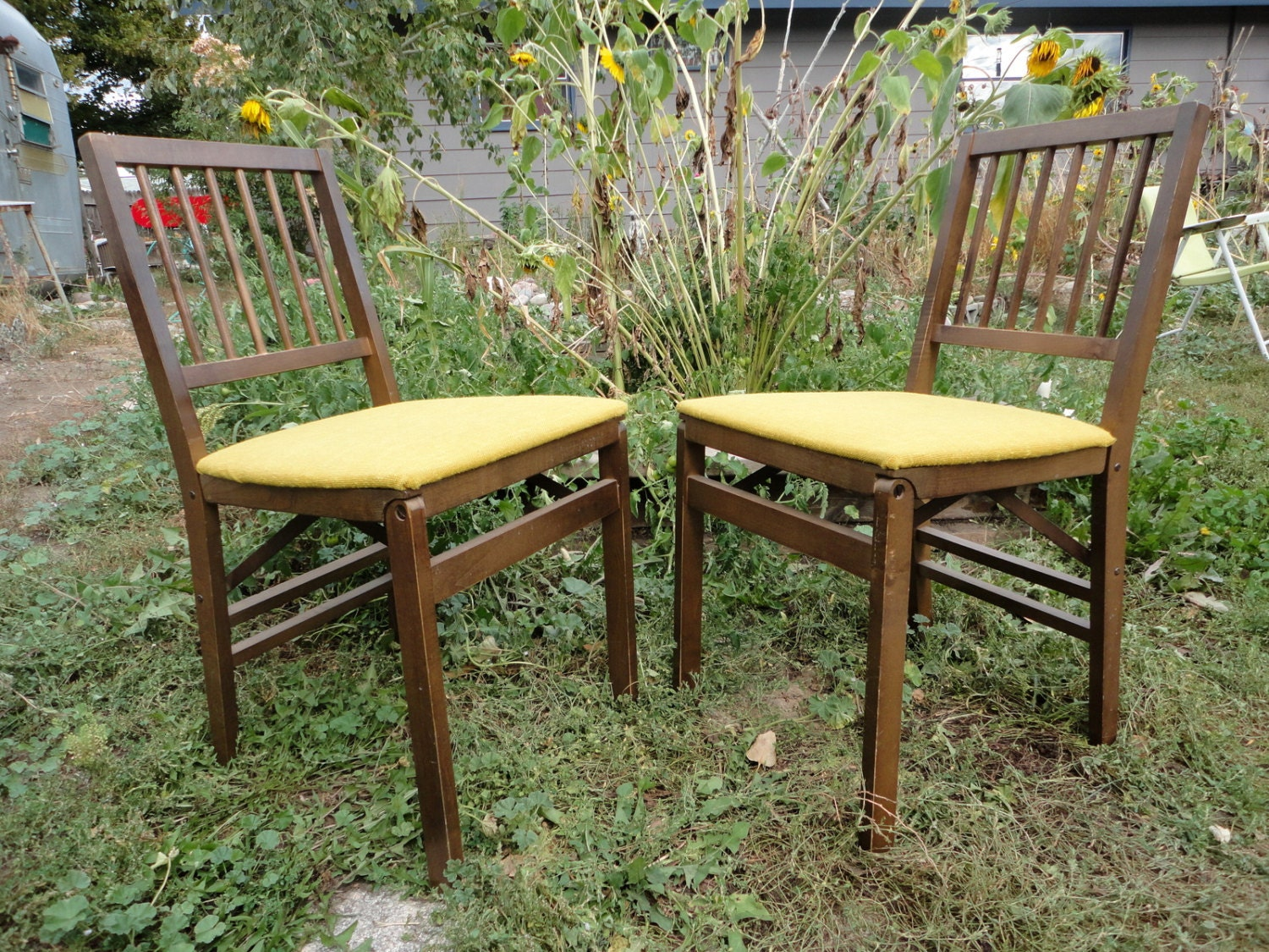 2 Stakmore Folding Chairs Vintage 50s 60s by CurbTradersVintage