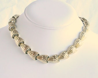 Coro Link Shells Choker Necklace Vintage Gold Tone Linked Shells Adjustable