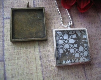 10pk...20mm Pendant Trays with glass inserts..Mix and Match..Antique Brass and Silver. Blanks, Settings, Bezels.