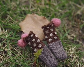 jiajiadoll- Hand Knit-coffee dot pompom socks fits momoko- blythe -Misaki- Unoa light- Lati yellow