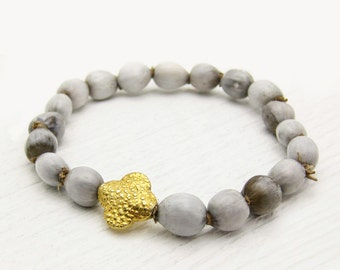 Gold Clover African Imfibinga Bracelet / Natural Organic Grey Seeds with Gold Vermeil / Tribal Bohemian Stacking Bracelet / Cloud Storm Gra