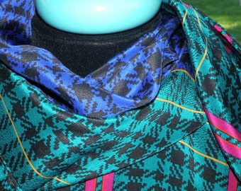 Vintage Liz Claiborne teal pink purple and balck houndstooth check scarf