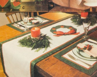 Vintage Vogue Christmas Holiday Craft Pattern 582
