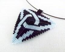 Peyote Triangle Pendant  / Beaded Pendant in Black and Blue /  Seed Bead Pendant /  Geometric Pendant / Peyote Necklace / Beaded Triangle