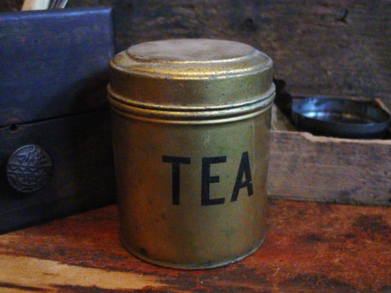 primitive farmhouse kitchen tea canister hinged by