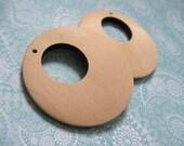 2 Pendentifs de bois naturel en forme de cercles 40 ou 50mm