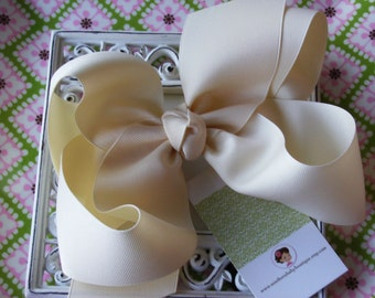 NEW ITEM-----Simple Sweet X X-Large 7 Inch Hair Bow----CREAM