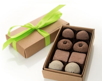 Indoor or oudoor garden seed bombs for hostess gifts - Italian Herbs Garden Bon Bons