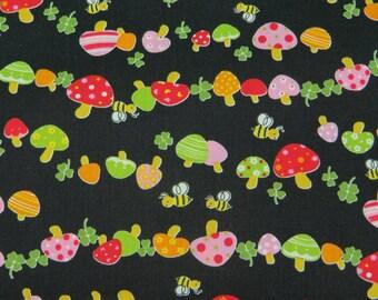 2370C -- Mushroom Garden, Bees, Clover in Black