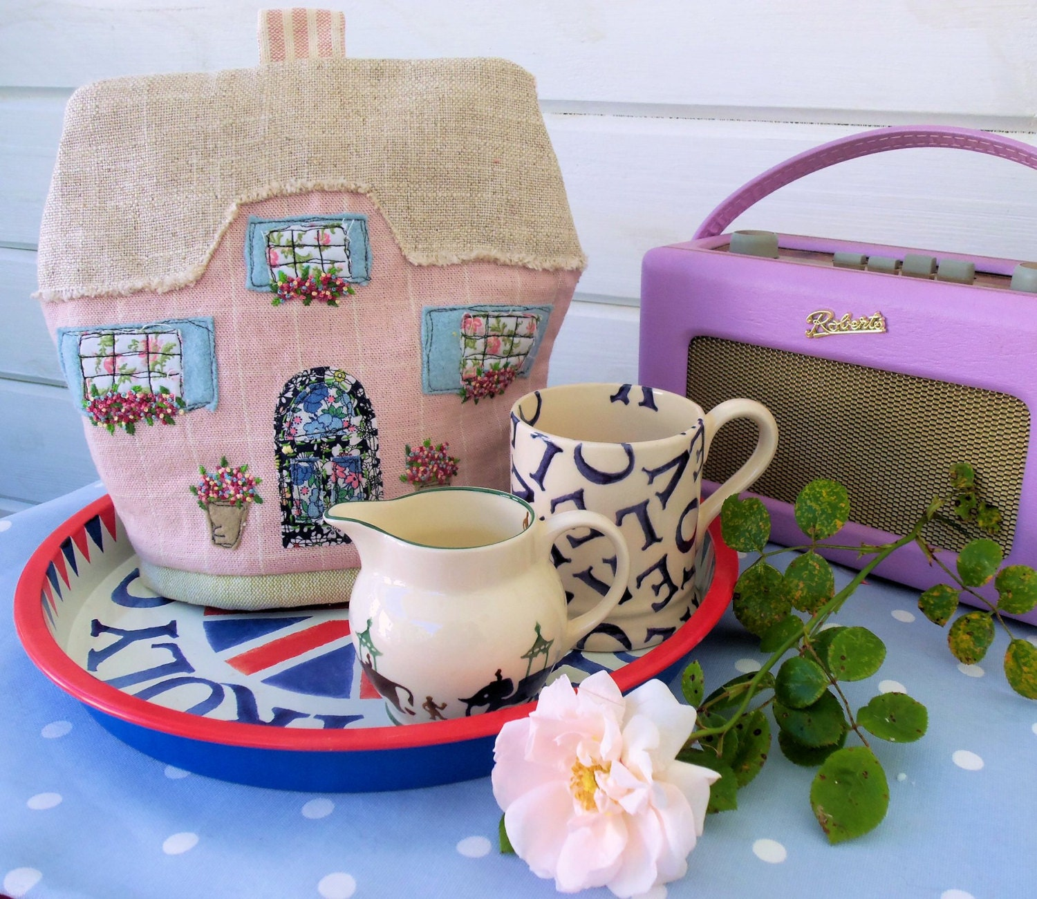 English cottage tea cosy pattern from bustleandsew on etsy for Tea cosy template