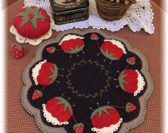 Memere's Pincushion Candle Mat & Pincushion Set DIGITAL PATTERN