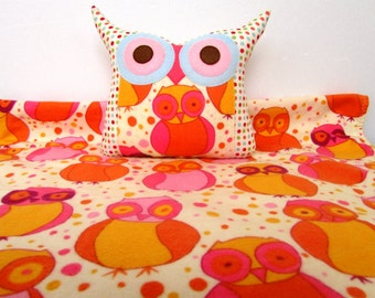 Baby quilt /coral /Express shipping /Minky Baby blanket free owl pillow/ Flannel blanket/Ready to ship