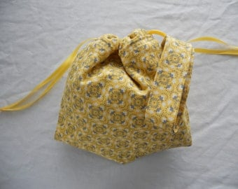 Small Project Bag Wristlet for Sock Knitting, Crochet, and Needlework - Soft Yellow and Gray