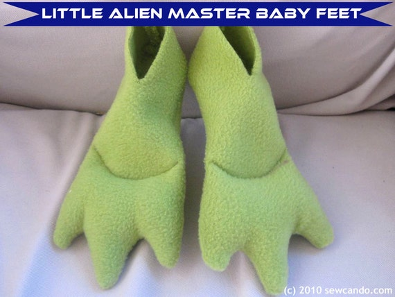 Little Alien Master Baby Feet Reserved for Silberbayleaf