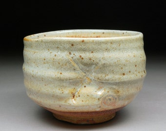 Handmade Stoneware Matcha Chawan Teabowl Tea Ceremony Glazed with Shino