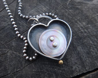 Heart Pendant Vintage Mother of Pearl Shell Necklace