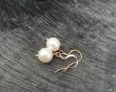 Pearl Earrings / Simple Rose Gold pearl earrings / Delicate Pearl earrings / Bridal earrings / Dangle pearl earrings / Gift for Her under 25