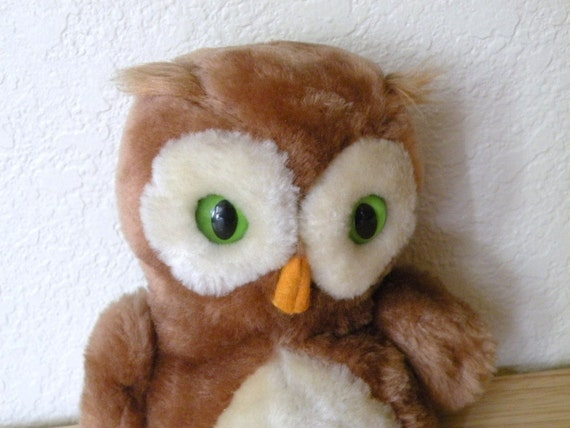1975 Dakin Stuffed Owl Toy with Green Eyes stuffed with Nutshells