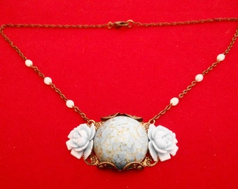 """Vintage art deco dark gold tone 17"""" necklace with attached 2.25"""" blue stone and flower pendant in great condition"""