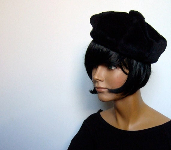Vintage 70s Black Beret Faux Fur Tam Hat Cap Winter Accessories Fall Fashion