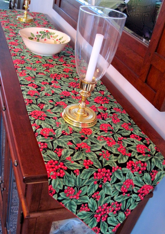Green and red christmas table runner 7290 by tracystreasuresri for 120 table runner christmas