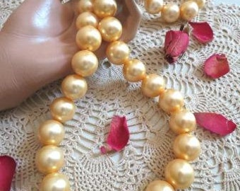 Vintage Large Glass Faux Pearl Necklace Made in Hong Kong
