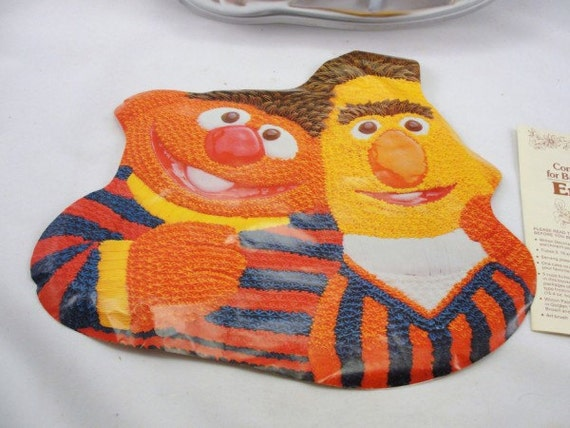 Wilton Bert And Ernie Cake Pan