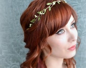 Wedding headband, flower circlet, simple leaf and berry tiara, bridal crown, wedding hair accessories (ivory or white)