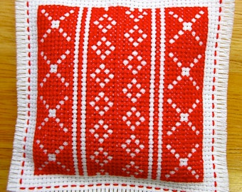 Red and White Lavender & Chamomile Cross Stitch Scented Sachet Drawer Closet Freshener Hanging Ornament Home Decor