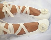 Ivory Flats, Wedding Flats, Ballet Flats, Ballerina Slippers, Shoes, Flower Girl, Bridal Flats, Cream, Crystals, Elegant, Vintage Style