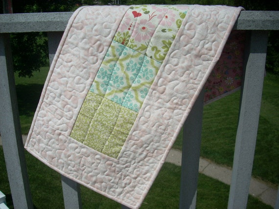 hello blush tablerunner - FREE SHIPPING