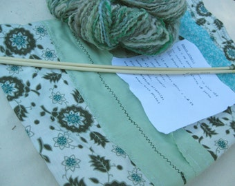 CLEARANCE Knitting Kit #5 - Handspun yarn, project bag, vintage needles, basic scarf pattern
