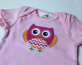 Ready to Ship... Hoo Hoo Owl Pink Bodysuit, Shortsleeve - Newborn