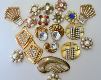 Dazzling mix for job - vintage 1970 - beautiful flowers of pearls NAPIER,and splendid decorations  Italian high fashion-20Pieces-Art.618- -