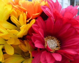 Flower Pens Set of 22 Gerber Daisies Orange Yellow  Red Magenta Bridal Shower Wedding Party Favors Small Gifts Souvenir