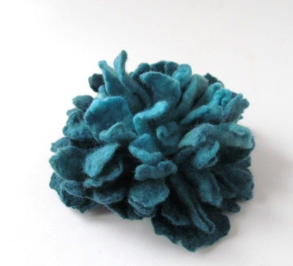 Felt flower brooch -  turquoise teal blue