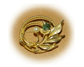 Sarah Coventry Brooch Gold Tone Circular Shape with White Pearl and Green Stone  Vintage