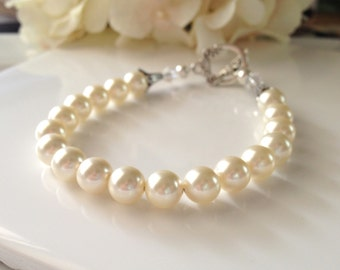 Pearl Bracelet, Ivory Pearl Bracelet, Single Strand Pearl Bracelet, Simple Pearl Bracelet, Pearl Bridesmaid Bracelet, Pearl Wedding Jewelry